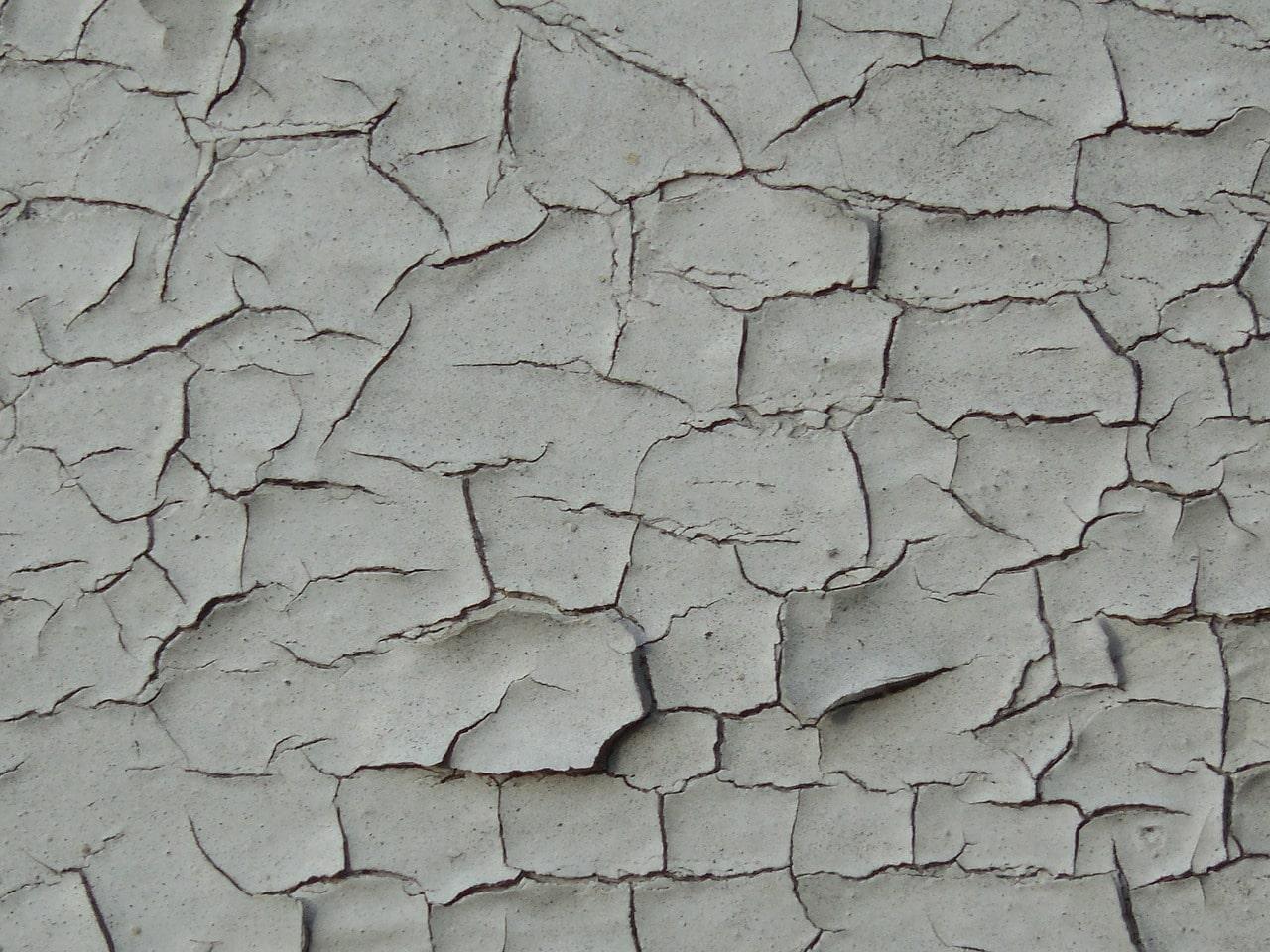 cracked lead paint